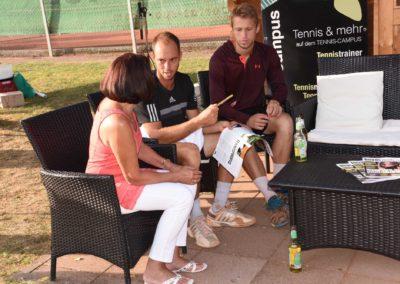 UTHC-Tennis-Charity-Event-2016-Autogrammstunde-Tim-Puetz-3