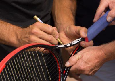 Usinger Tennisprofi Tim Putz fördert Tennisjugend des UTHC