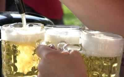 UTHC Tennis Biergarten mit Sonnenterrasse erhält komplett neue Bestuhlung