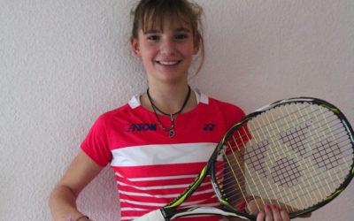 Mara Guth des UTHC Nummer 1 in der Deutschen Rangliste U12