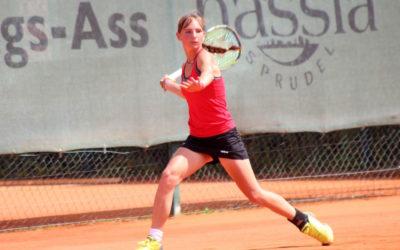 Mara Guth des UTHC gewinnt Meppel Storks Cup in Holland