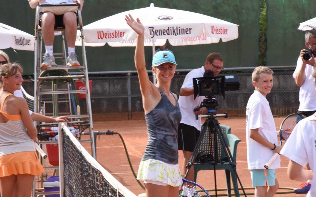 Tennis Charity begeisterte hunderte Besucher auf dem Tennis-Campus