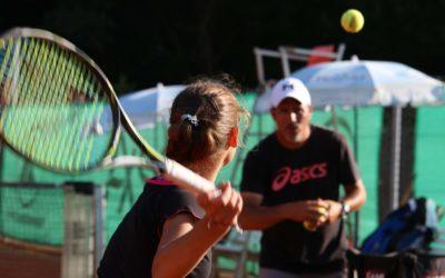 Tennis Jugendarbeit und Tennis Jugendförderung beim UTHC in Usingen