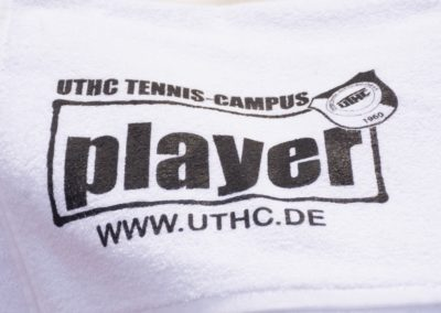UTHC-Tennismannschaften-Player-Logo-Towel_02