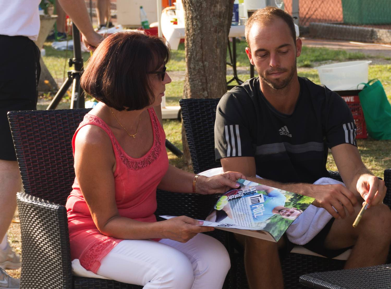 Usinger Tennisprofi Tim Pütz: Autogramme beim UTHC Heimatverein