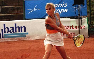 Tennis Bundestrainerin Jasmin Wöhr sehr zufrieden mit Mara Guth des UTHC