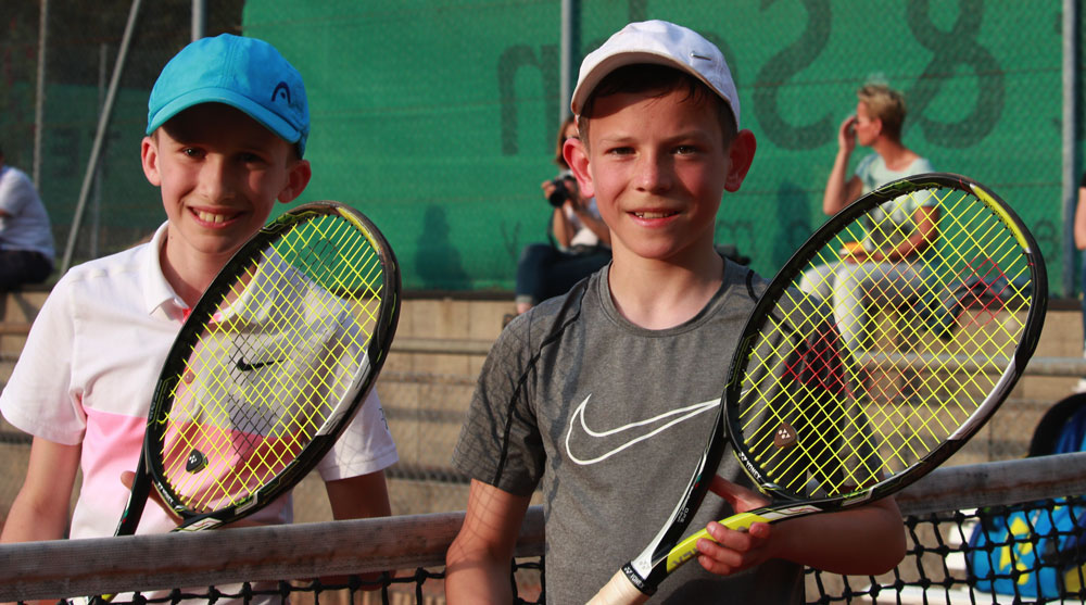 Niklas-Baucke-und-Sergej-Topic-Tennisnachwuchs-UTHC