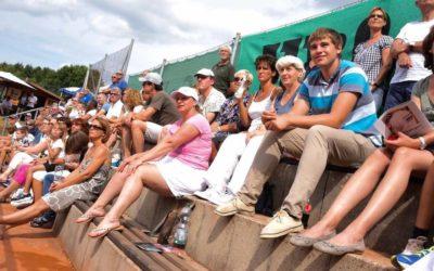 Zuschauer in Scharen beim UTHC zur Medenrunde 2021