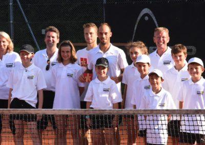 Ballkinder und Tennisprofis: UTHC Tennis