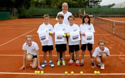 UTHC bietet mit Balljungen und Ballmädchen künftig Tennis-Flair der internationalen Courts