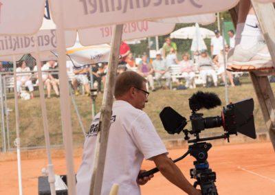 Stefan-Ochs-Kameramann-Hauptkamera-auf-dem-UTHC-Center-Court-150947