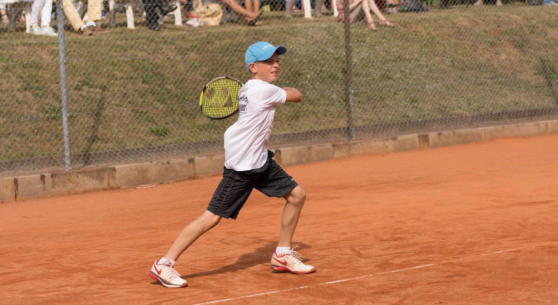 Niklas Baucke: Aus dem erfolgreichen Tennisnachwuchs des UTHC Tennisverein und Tennis-Campus Usingen