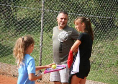 Mara-Guth unterstützt Tennis Jugendarbeit beim TUS Steinfischbach_4810