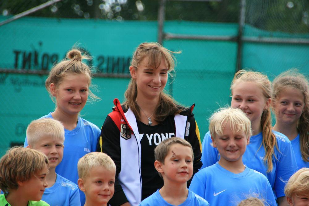Mara Guth beim Tag der Jugendförderung des TC Steinfischbach