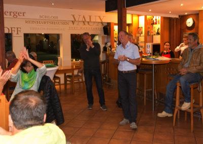 Neuer 2. Vorsitzender Joachim Heinsch informiert kurz und knapp über News beim UTHC -Sommerfest