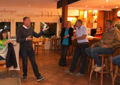 Vorsitzender Dirk Rabis informiert kurz und knapp über News beim UTHC -Sommerfest