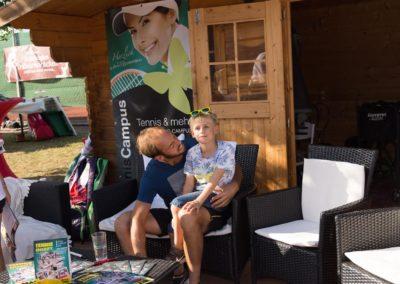 Tim-Puetz_Autogramme-beim-UTHC-Tennisverein-Usingen_01092018_2018_09_01_171440_01