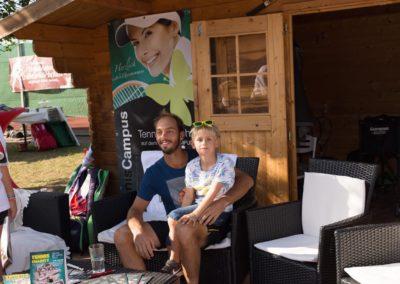 Tim-Puetz_Autogramme-beim-UTHC-Tennisverein-Usingen_01092018_2018_09_01_171442