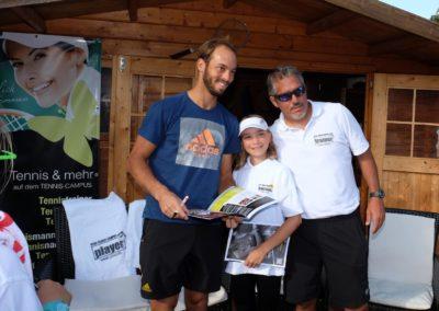 Tim-Puetz_Autogramme-beim-UTHC-Tennisverein-Usingen_3625