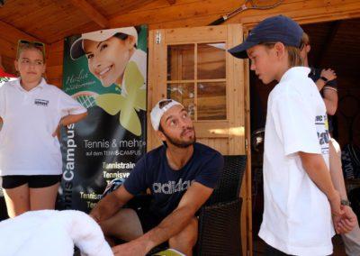 Tim-Puetz_Autogrammstunde-beim-UTHC-Tennisverein-Usingen_beim-UTHC-Tennisverein-Usingen_3578