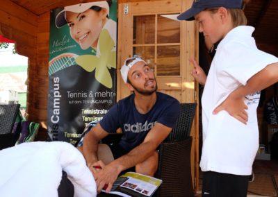 Tim-Puetz_Autogrammstunde-beim-UTHC-Tennisverein-Usingen_beim-UTHC-Tennisverein-Usingen_3580