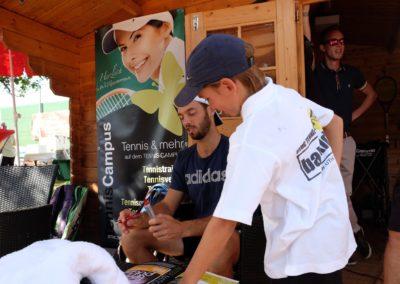 Tim-Puetz_Autogrammstunde-beim-UTHC-Tennisverein-Usingen_beim-UTHC-Tennisverein-Usingen_3581