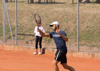 Tim-Puetz_Jugendfoerderung-beim-UTHC-Tennisverein-Usingen_143512_01