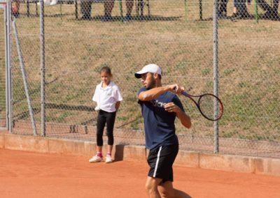 Tim-Puetz_Jugendfoerderung-beim-UTHC-Tennisverein-Usingen_143512_02