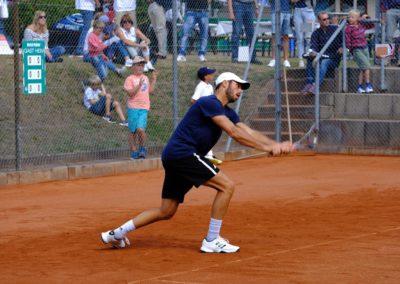 Tim-Puetz_Jugendfoerderung-beim-UTHC-Tennisverein-Usingen_202551