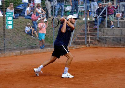 Tim-Puetz_Jugendfoerderung-beim-UTHC-Tennisverein-Usingen_202553