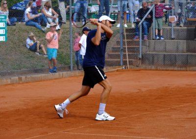 Tim-Puetz_Jugendfoerderung-beim-UTHC-Tennisverein-Usingen_202556