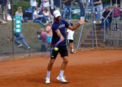 Tim-Puetz_Jugendfoerderung-beim-UTHC-Tennisverein-Usingen_202558