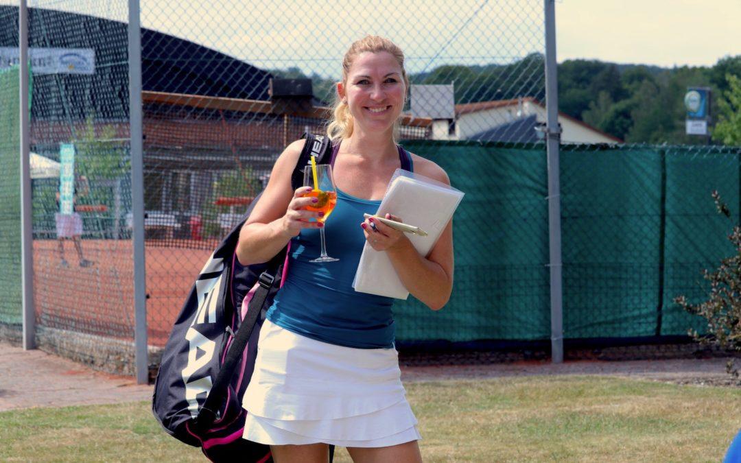 Tenniswochenenden mit Sonnencreme und eisgekühltem Aperol Sprizz