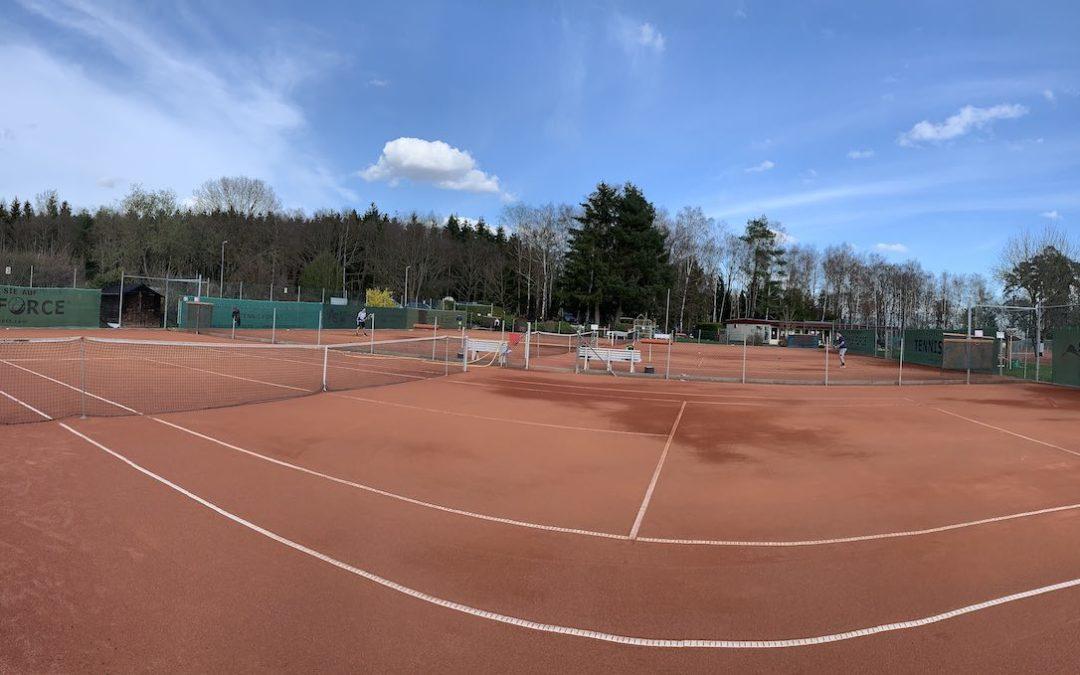 Auf die Plätze, fertig… Weitere Tennisplätze geöffnet.